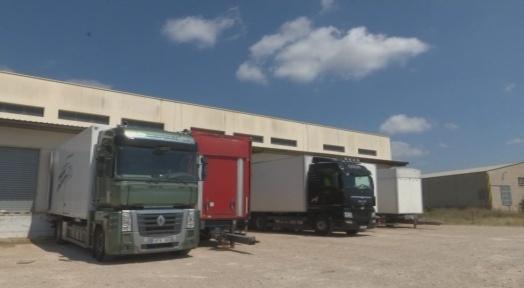 Localitzat a Terrassa el camió robat a la Sènia; continua la recerca del transportista