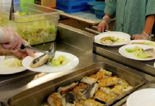 Les famílies del Vallès Occidental han sol•licitat prop de 18.000 beques de menjador escolar pel curs vinent
