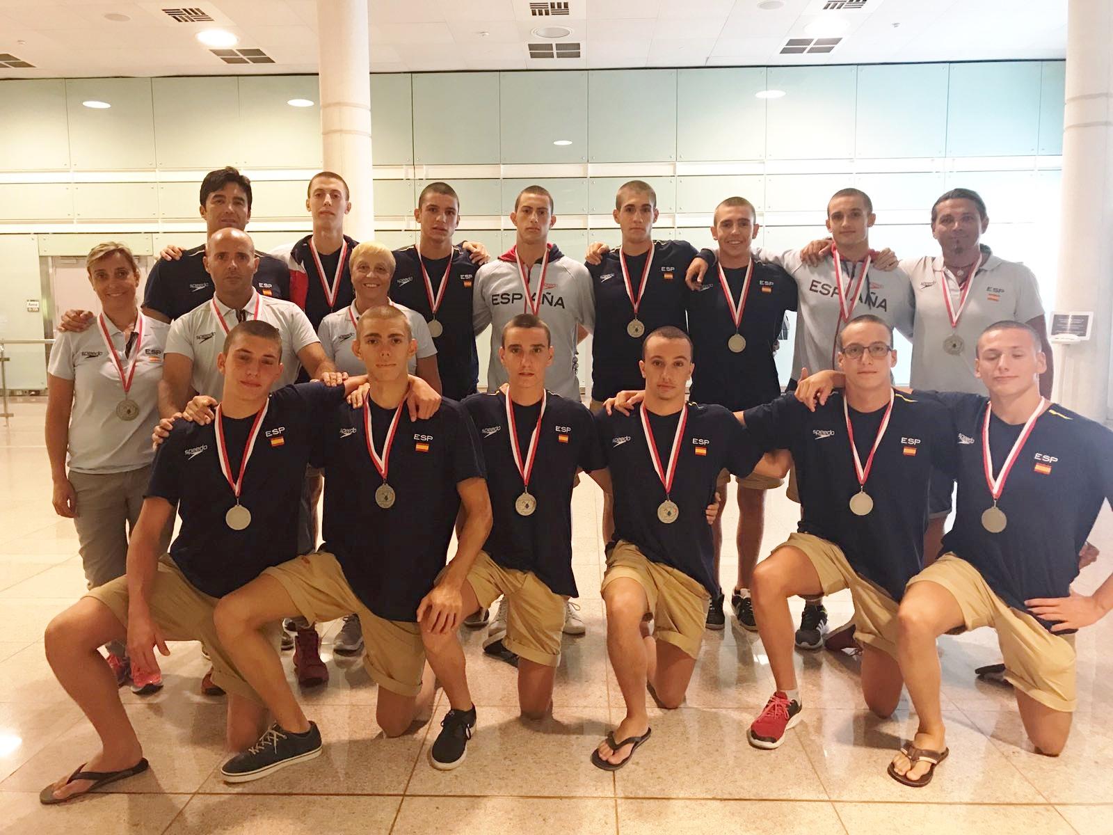 Bernat Sanahuja es penja la medalla de plata al Campionat d'Europa juvenil masculí