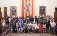 Una escola d'Holanda i l'Escola Mare de Déu del Carme visiten l'Ajuntament