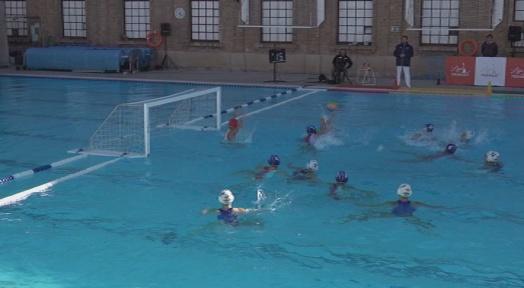 El CN Terrassa femení tanca l'any amb una derrota a la piscina del CE Mediterrani (14-9)