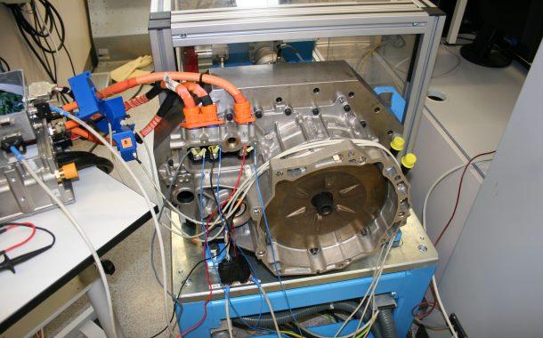 Tecnologia innovadora per fabricar vehicles elèctrics més eficients