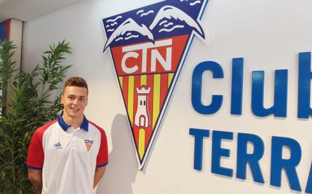 Izan Cubillas, quarta incorporació de la secció de natació del CN Terrassa