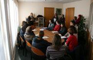 El Consell Comarcal acull a les 14 persones incorporades al Programa ENFEINA'T