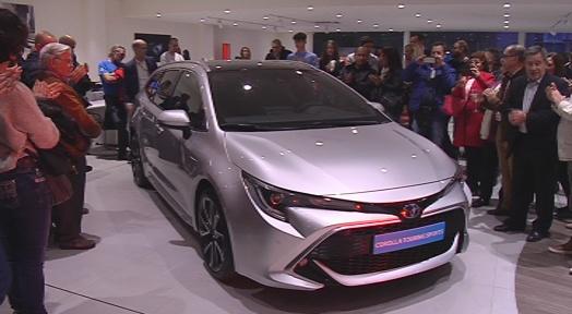 Toyota Orient Cars celebra una festa per presentar la nova gamma de vehicles híbrids de Corolla