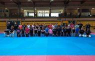 Una trentena de dones participen al curs de defensa personal organitzat per Jiu Jitsu Goshindo Q Sport