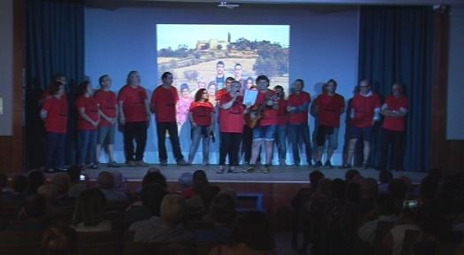 Els veïns de La Maurina de Terrassa recorden Apolo Giménez dins dels actes de la Festa Major del barri