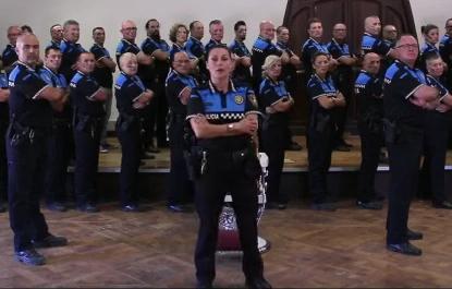 Gran acollida de la campanya de la Policia Municipal de Terrassa contra el càncer infantil
