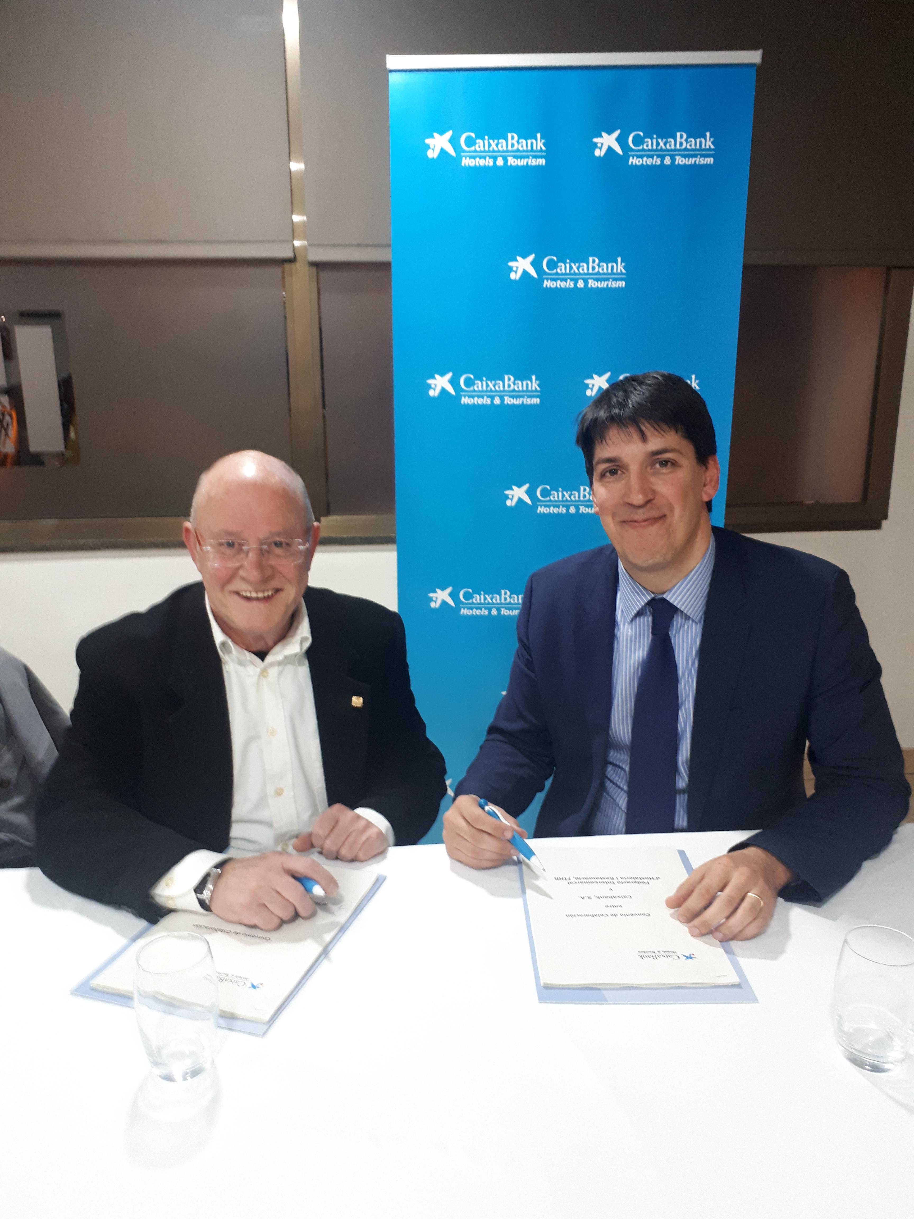 CaixaBank Hotels & Tourism i la Federació Intercomarcal d'Hostaleria i Restauració de Barcelona signen un conveni per a dinamitzar el sector