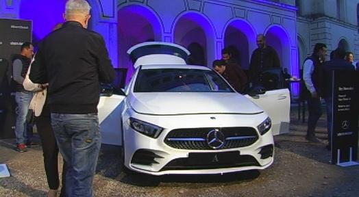 Mishima actúa en la presentació del Nou Classe A de Mercedes-Benz