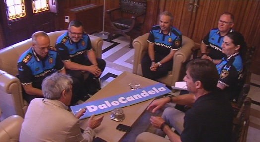 La Policia Municipal presenta la campanya solidària ¡Dale Candela!