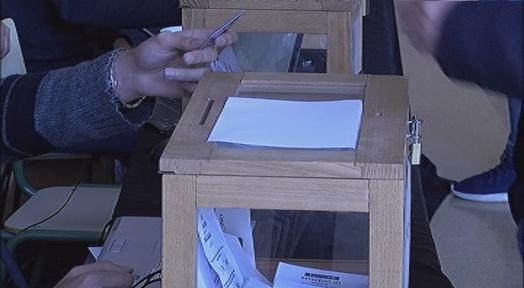 La majoria d'estudiants de la UPC vota República per davant de Monarquia