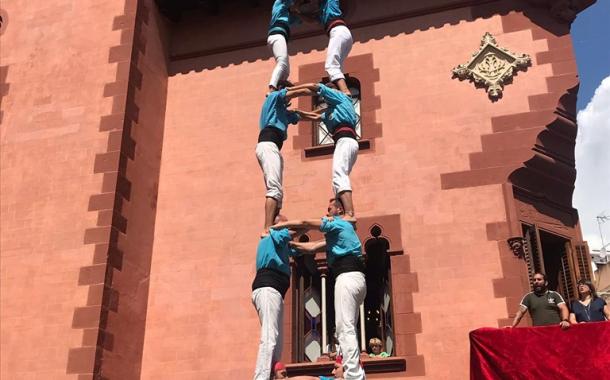 Els Castellers roden construccions de 7 a Viladecans, a una setmana de la Diada Avi Emili