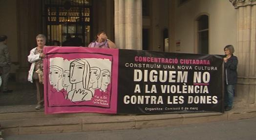 Terrassa es concentra en contra la violència vers les dones