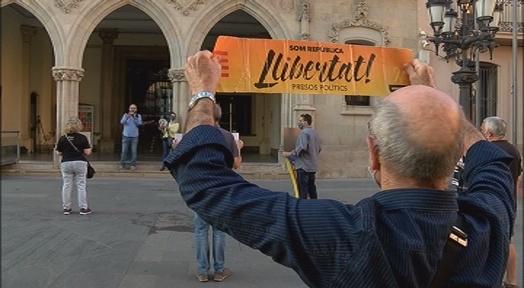 Tornen les protestes per demanar la llibertat dels presos però menys freqüents i sense cantar