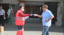En marxa el dispositiu de repartiment de mascaretes al transport públic i per als establiments