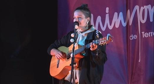 Mabel Flores estrena el cicle 'La cultura al pati' dels Minyons de Terrassa