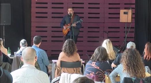 L'Ateneu Candela celebra un concert-vermut amb Daniel Felices presentant projecte en solitari
