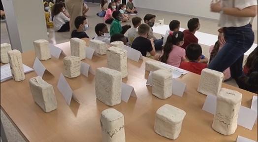Alumnes de l'Escola Auró mostren el seu potencial artístic amb la ceràmica